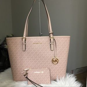Michael kors medium carry all tote with wallet